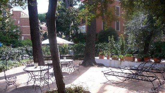 麗尼歐別墅酒店照片