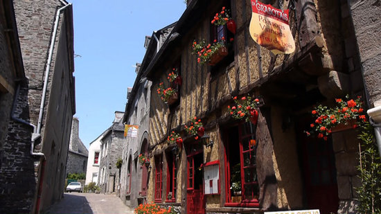 Where to Eat in Dol-de-Bretagne: The Best Restaurants and Bars