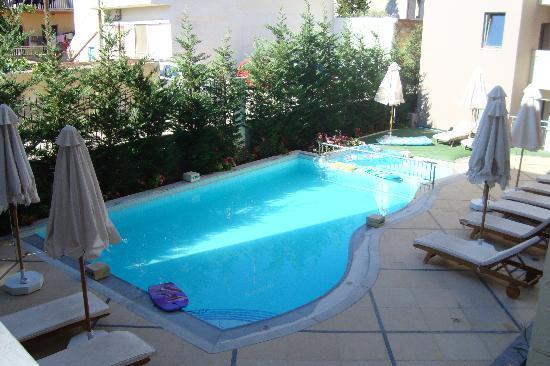 SENTIDO Aegean Pearl: the pool