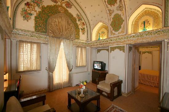 Suite sitting room picture of abbasi hotel esfahan for Sitting room suites