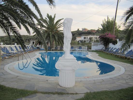 Tsaros Apartments: The pool at Tsaros