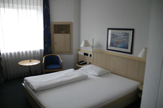 InterCity Hotel Rostock: Zimmer