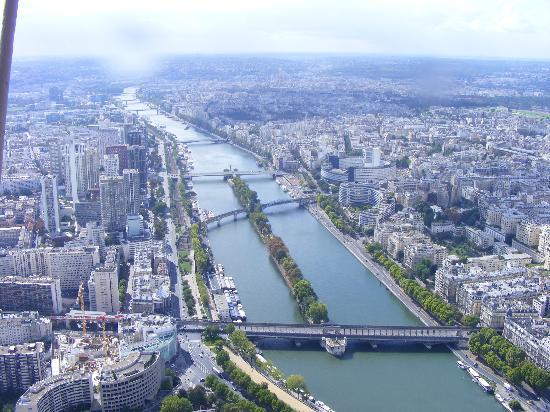 Kyriad Paris Nord Porte de Saint Ouen: View from top of Eiffel Tower