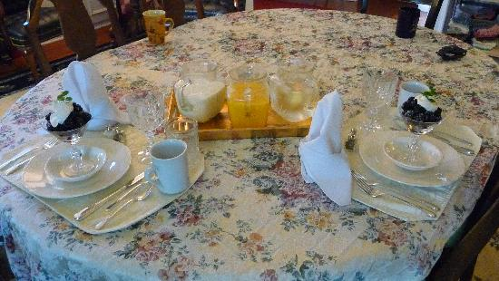 College House B&B: Scrumptious Breakfast