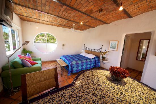 Los Milagros Hotel: Master Suite