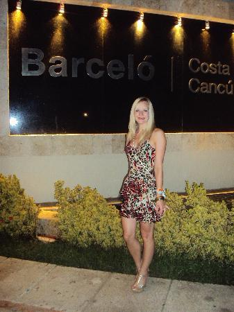 Occidental Costa Cancun: at the front of the hotel