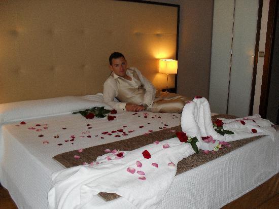 Gran Hotel Sol y Mar: La cama 2 x 2
