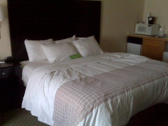La Quinta Inn & Suites Spokane Valley: The bed