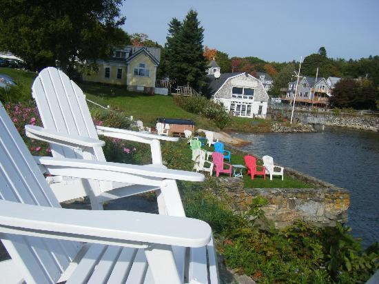 Harbour Towne Inn on the Waterfront: Chairs to relax in