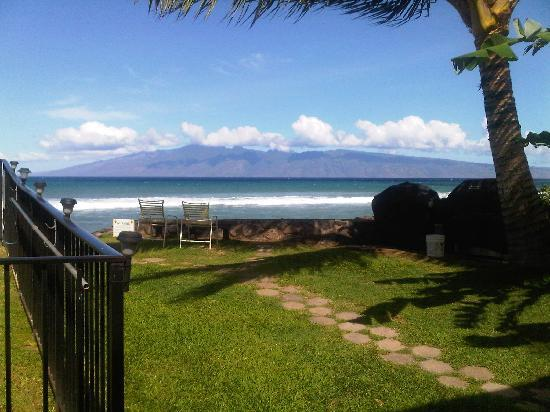 Hale Kai Oceanfront Condominiums: Island of Moloka'i - view from the apartment we stayed in.