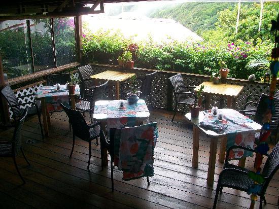 Brigadoon: Deckstyle Dinning area