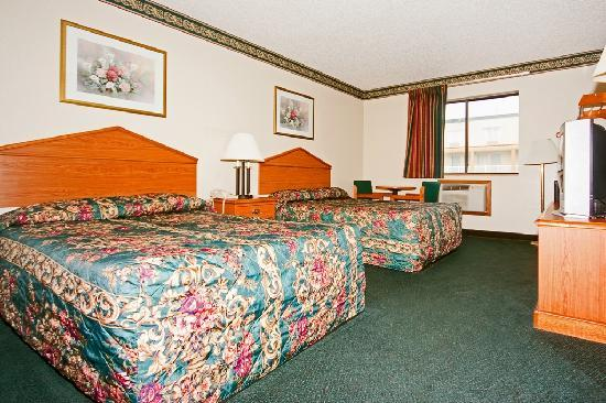 Econo Lodge - Akron: DOUBLE ROOM