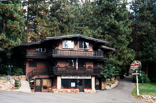 Zephyr Cove, NV: Pine Cone Resort offers classic Tahoe charm