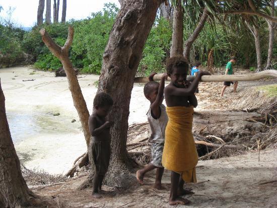 Efate, Vanuatu: Village children