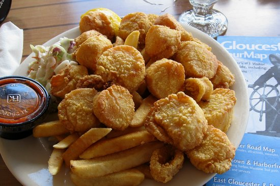 Captain Carlo's Restaurant: fried scallop platter