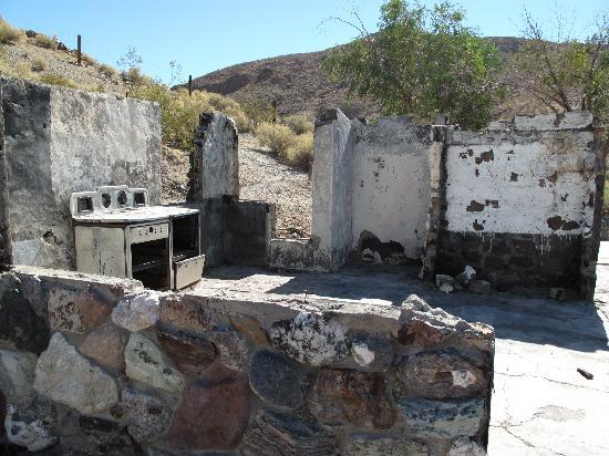 Ranch Jeep >> Barker ranch - Picture of Barker Ranch, Death Valley ...