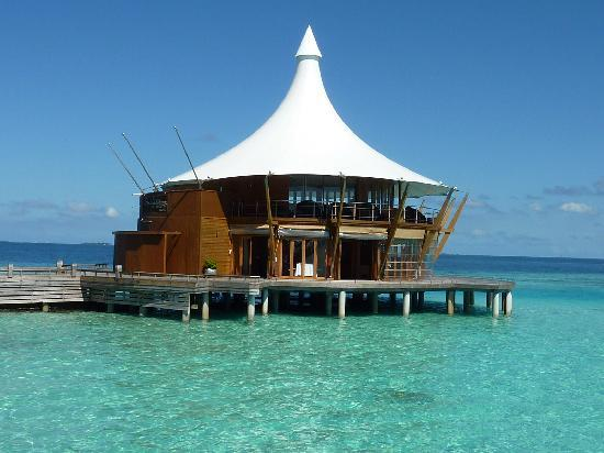 Baros Maldives: The lighthouse restaurant
