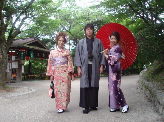 Rental Kimono Okamoto Honten: 着物で京都観光を楽しもう♪