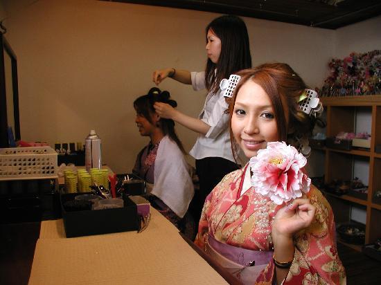 Rental Kimono Okamoto Honten: 本格ヘアセット¥500!