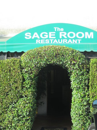 Sage Room Restaurant: Entrance to Malibu room