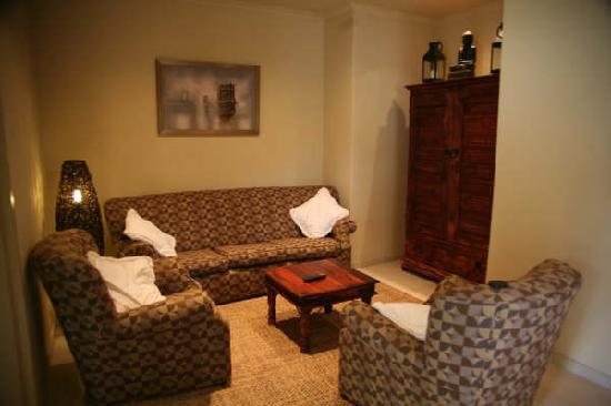 African Gardens Apartments: Unit 1 Lounge
