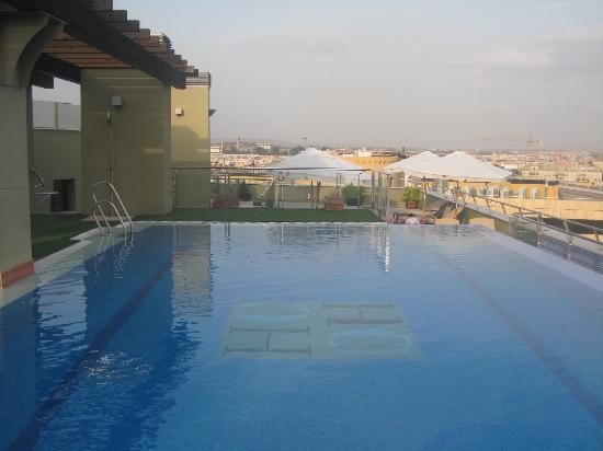 Hotel Córdoba Center: Piscina en la séptima planta