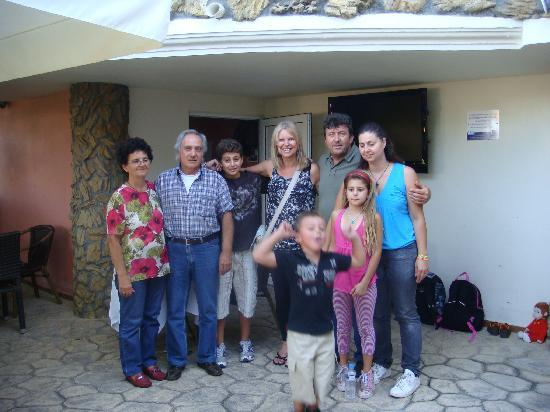 Zante Calinica Apart Hotel : With the Family!