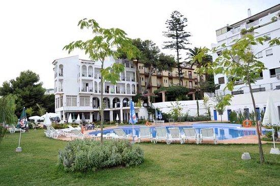 Andalucia Hotel: Hotel Andalucía, piscina y edificio