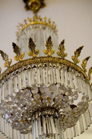 Laurel Villa: The antique chandelier in the dining room