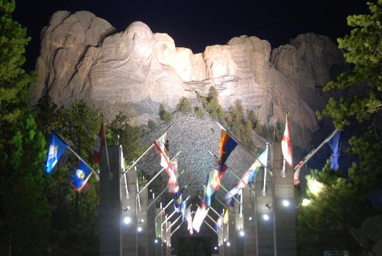 Mount Rushmore National Memorial: The night view