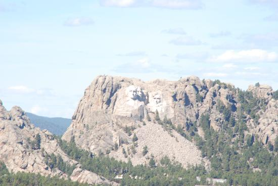 Mount Rushmore National Memorial: View of Mt. Rushmore from the Black Hills - Norbeck Overlook