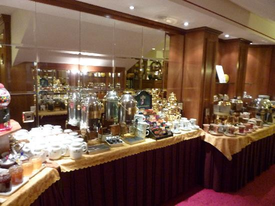 Lugano Dante Center Swiss Quality Hotel: The breakfast buffet