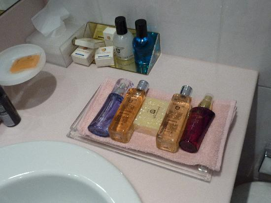 Lugano Dante Center Swiss Quality Hotel: Complementary toiletries