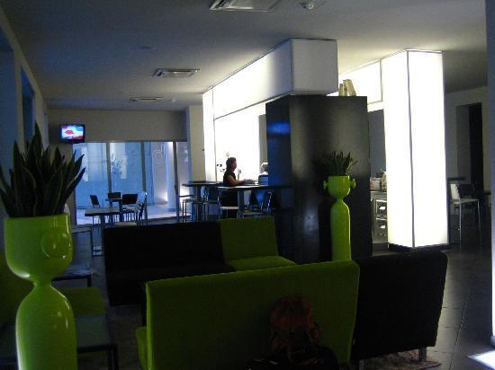 Eden Hotel: lobby