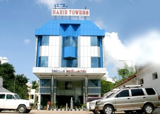 Hotel Habib Towers: Front View