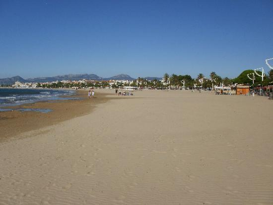 Aparthotel Olimar II: beach