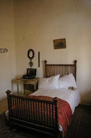 Howard Carter House: A bedroom