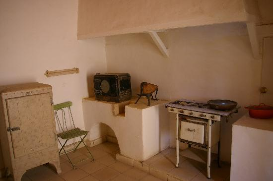 Howard Carter House: Part of the kitchen
