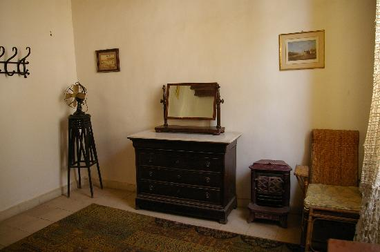 Howard Carter House: More of bedroom 2