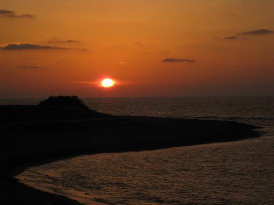Sonnenuntergang am Strand von Pomos