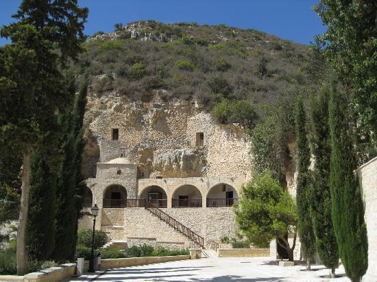Paphos, Zypern: Felsenkirche