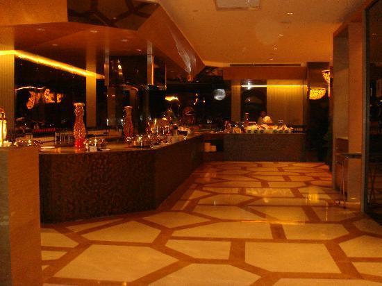 Datong Hotel: 綺麗なレストラン、中華、洋食などあり 味もOK