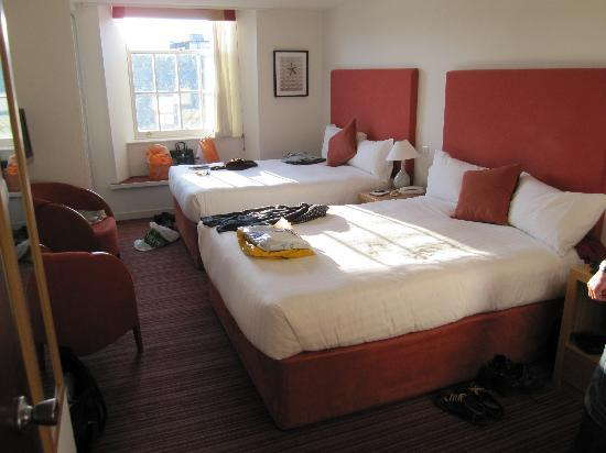 Mannings Hotel: Twin room