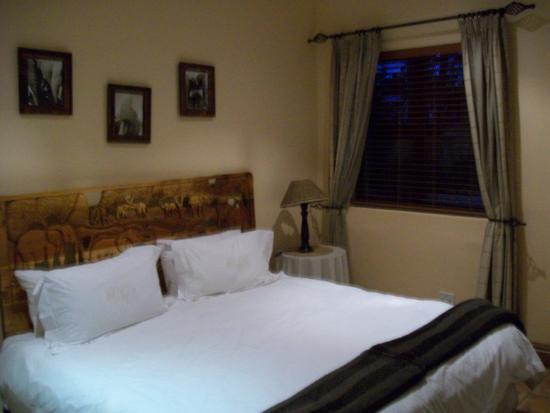 Knysna Elephant Park Lodge: Our room