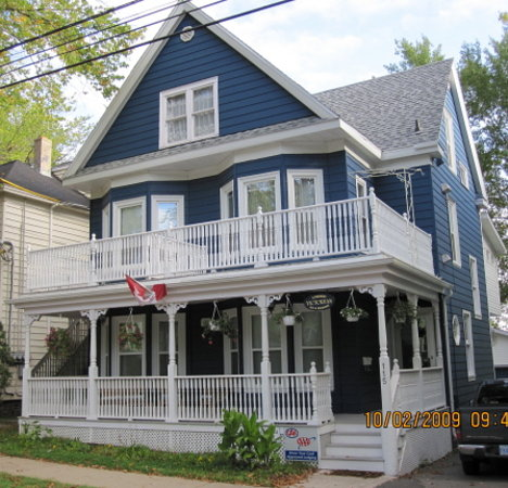 A Charming Victorian Bed and Breakfast: 115 George Street