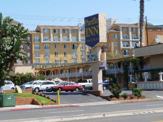Pacific Inn Hotel & Suites: Pacific Inn