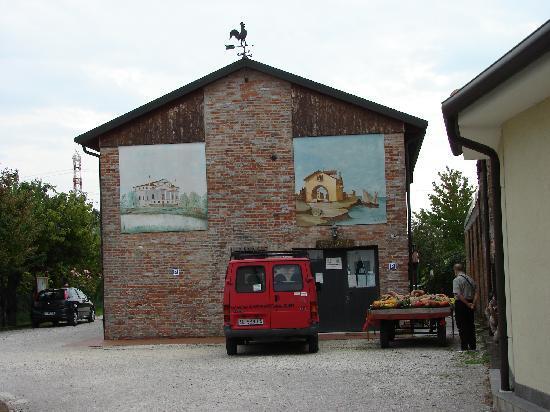 Agriturismo Ca' Marcello : the main building