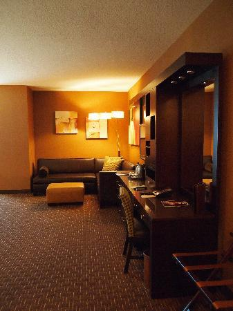 Golden Nugget Hotel: Sitting area view upon entering room