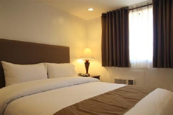 Torre Venezia Suites: The only good thing about Torre Venezia are their clean rooms.