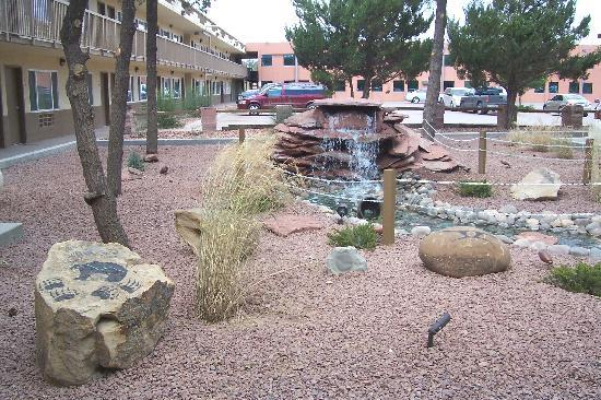 Window Rock, AZ: View of the hotel and the courtyard